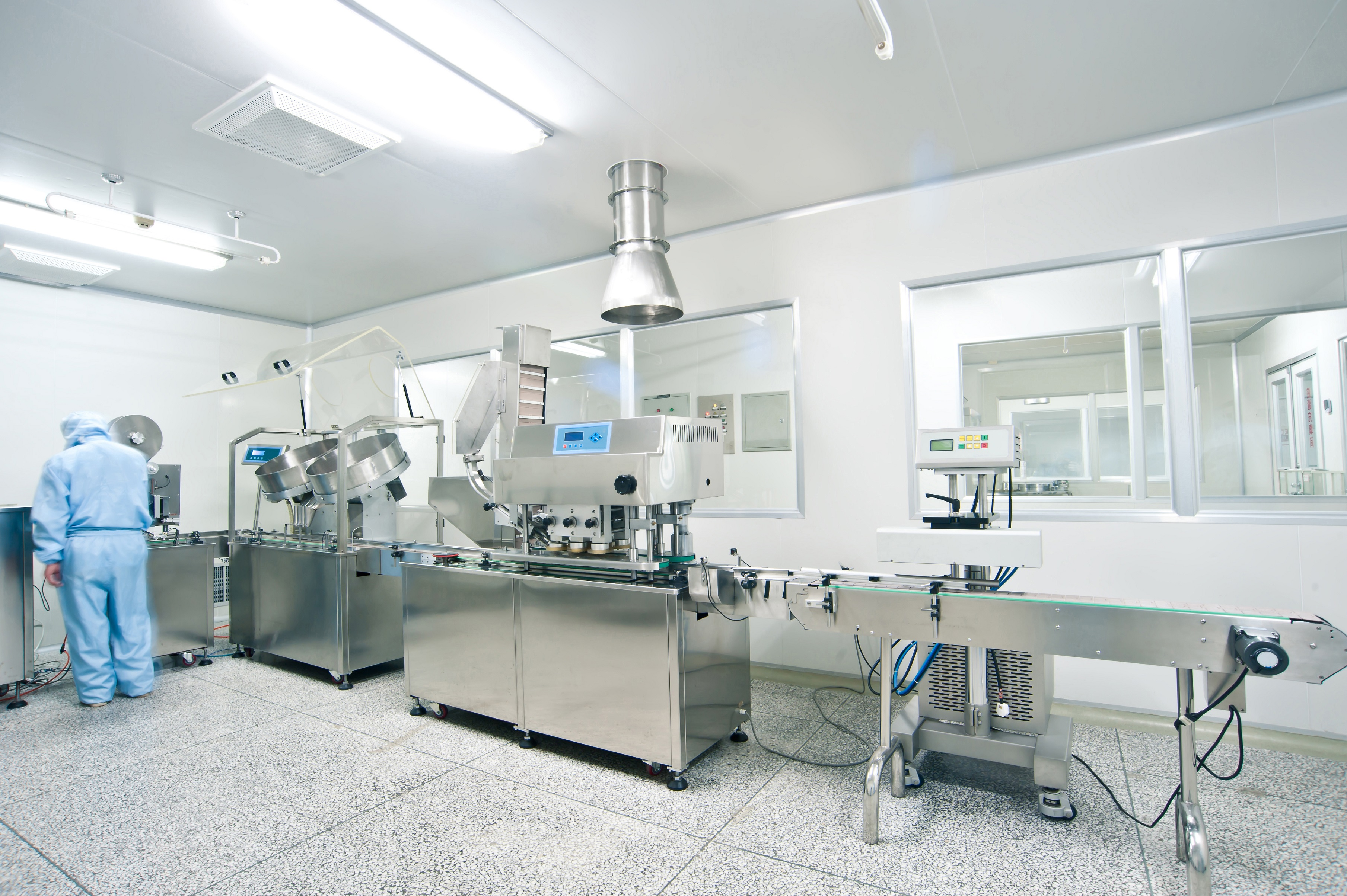 chemical lab using airtight ductwork